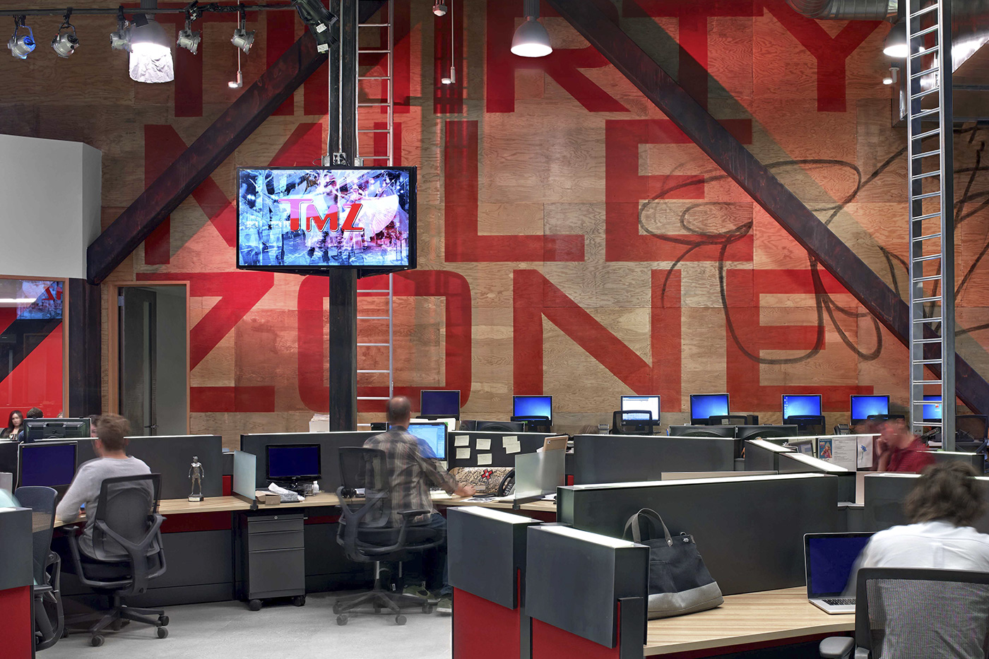 Take a tour of tmz 39 s stylish headquarters officelovin 39 for Tmz tours in los angeles