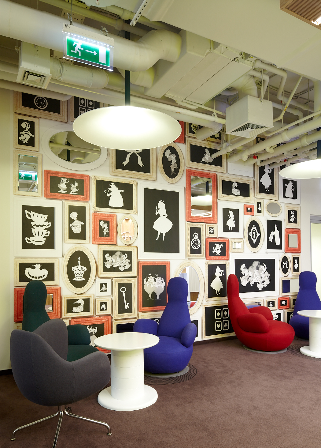 Disneys moscow offices by unk project officelovin39 for Disney office decor