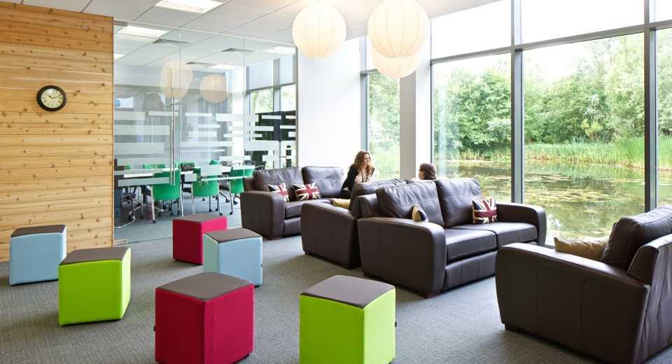 Jive software s reading offices officelovin 39 for Office design principles
