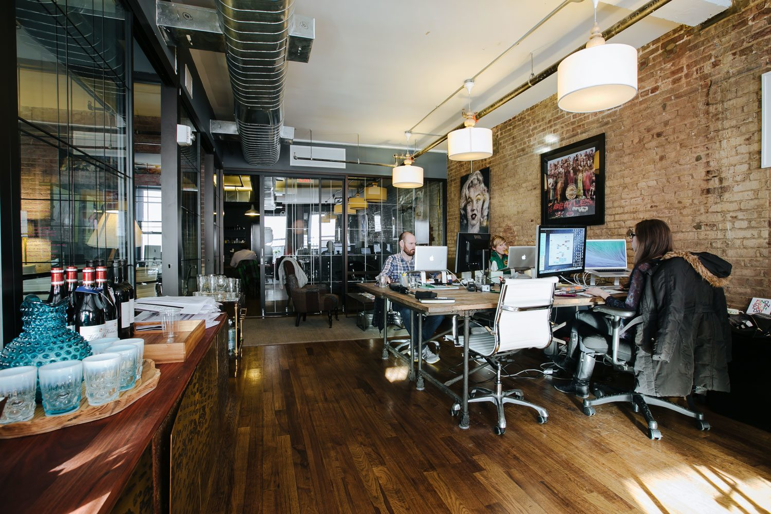 Wework coworking new york s meatpacking district for Office design works