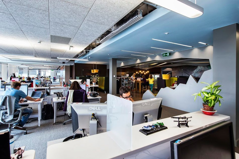 google office cubicles workspace workspaceu2026 googles stunning dublin campus officelovin