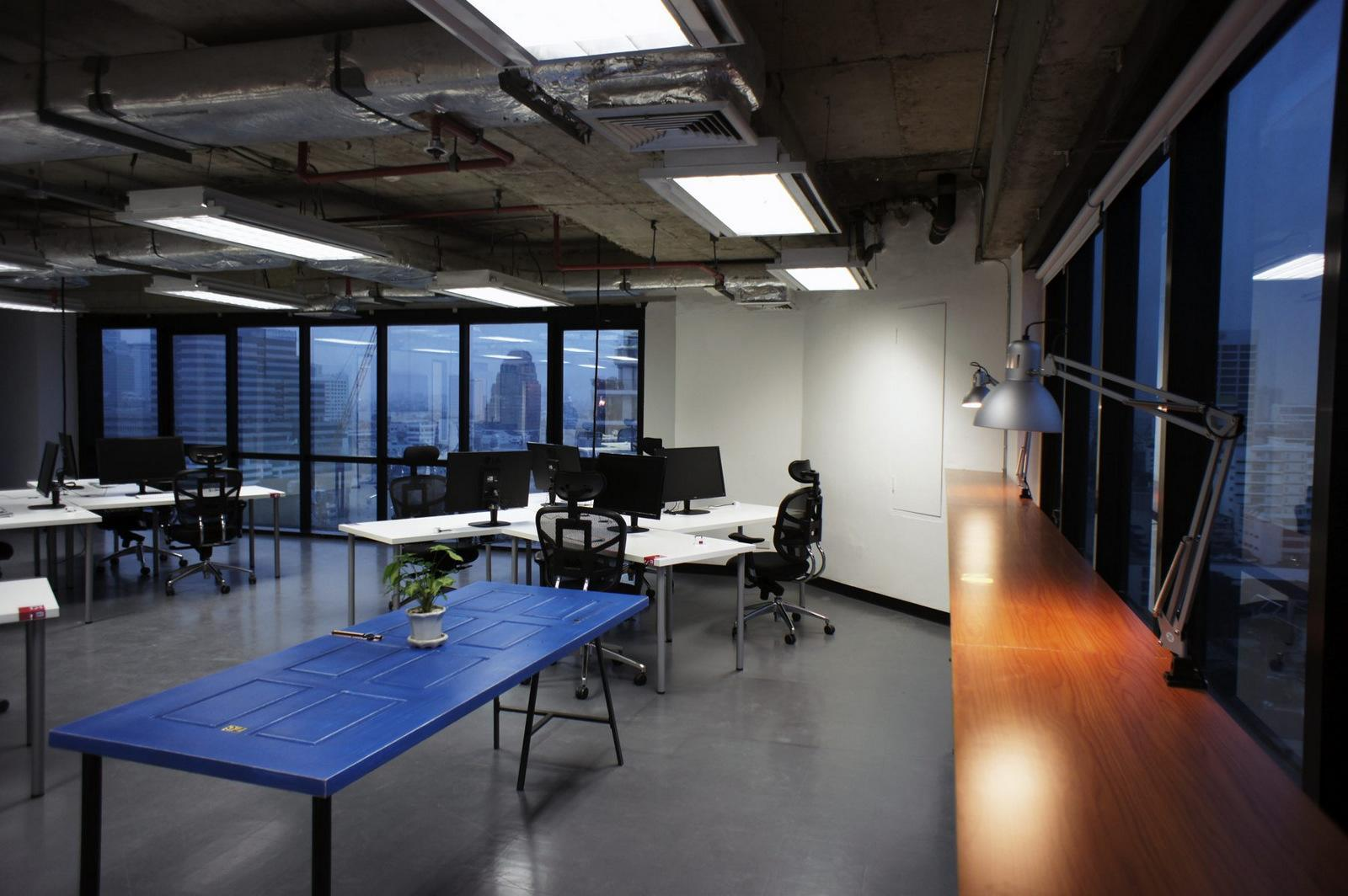 Take a Look at HotelQuickly's Bangkok Offices