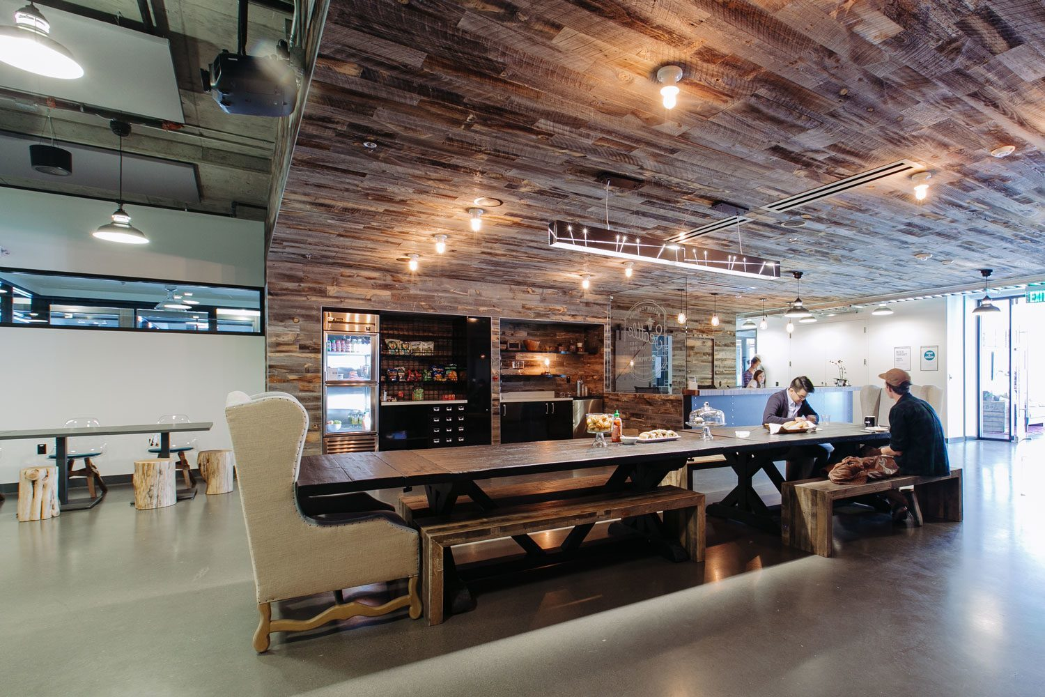 Wework seattle s south lake union officelovin 39 for Office interior work