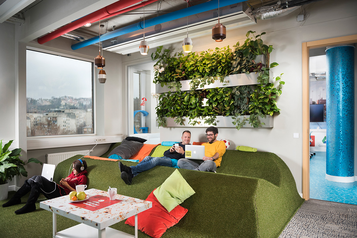 Inside google s amazing budapest office officelovin 39 for Office design 2018