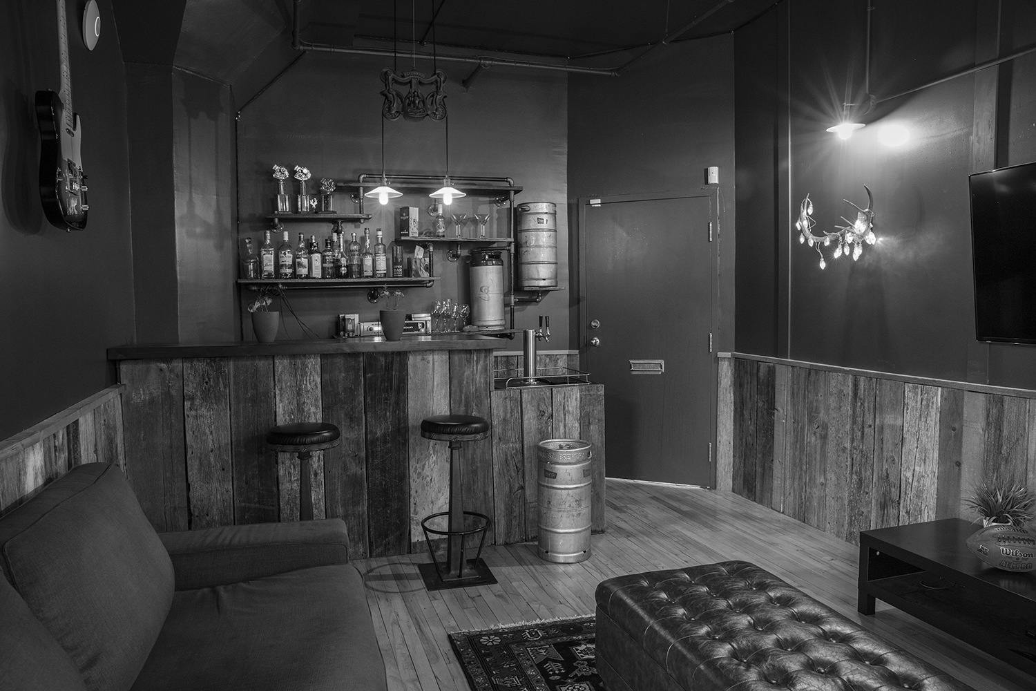 shopify-montreal-office-saloon
