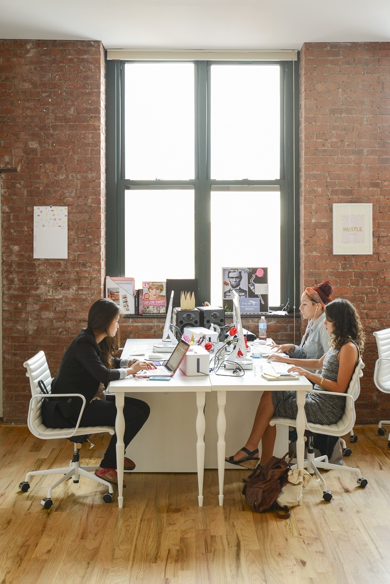 A peek inside small girls pr s new york city office officelovin 39 - Small office space nyc concept ...