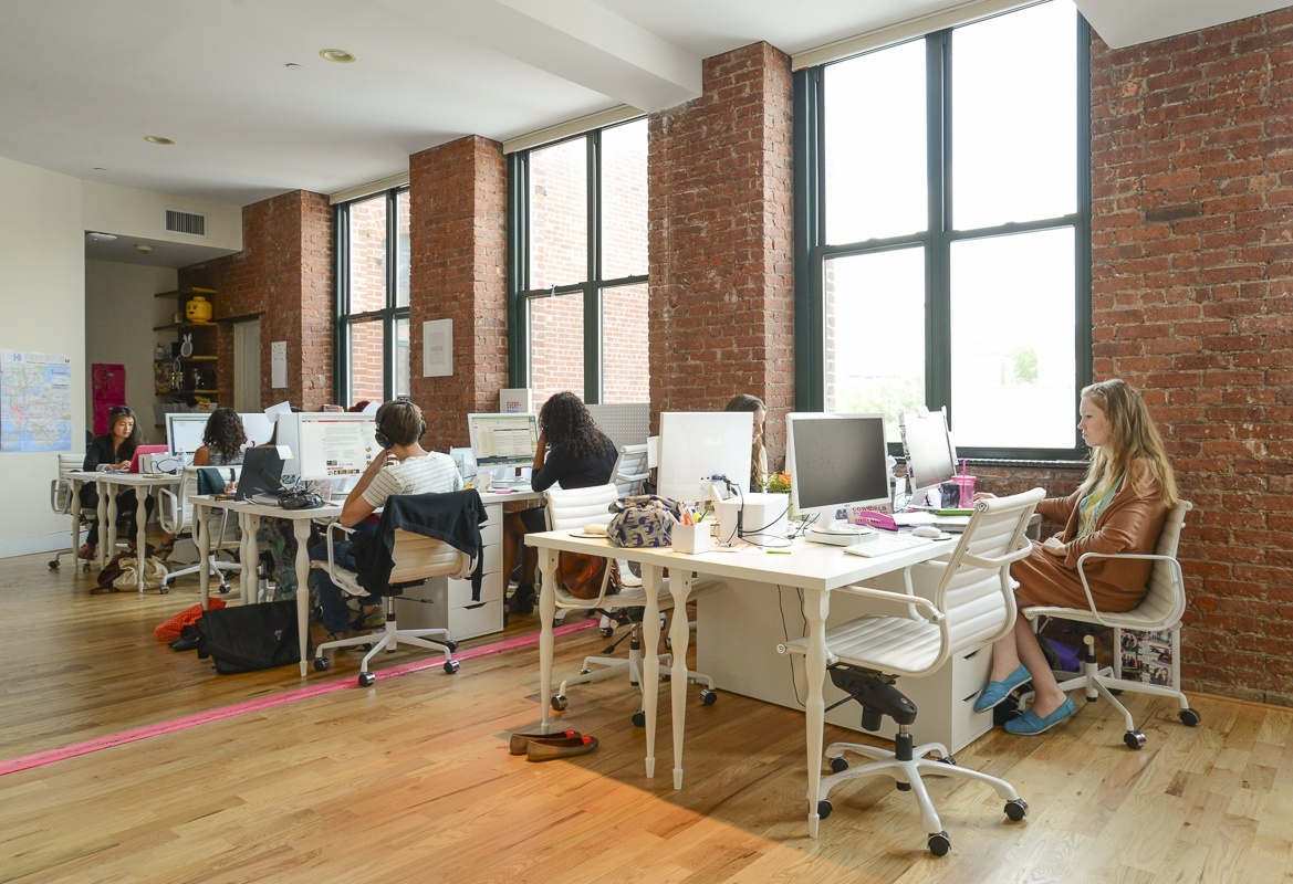 A peek inside small girls pr s new york city office for Office interior design nyc