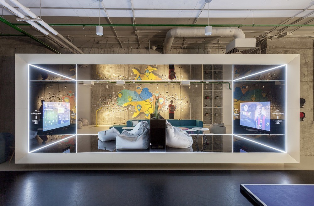 A look inside playtech s stylish kiev office officelovin 39 for Office design game