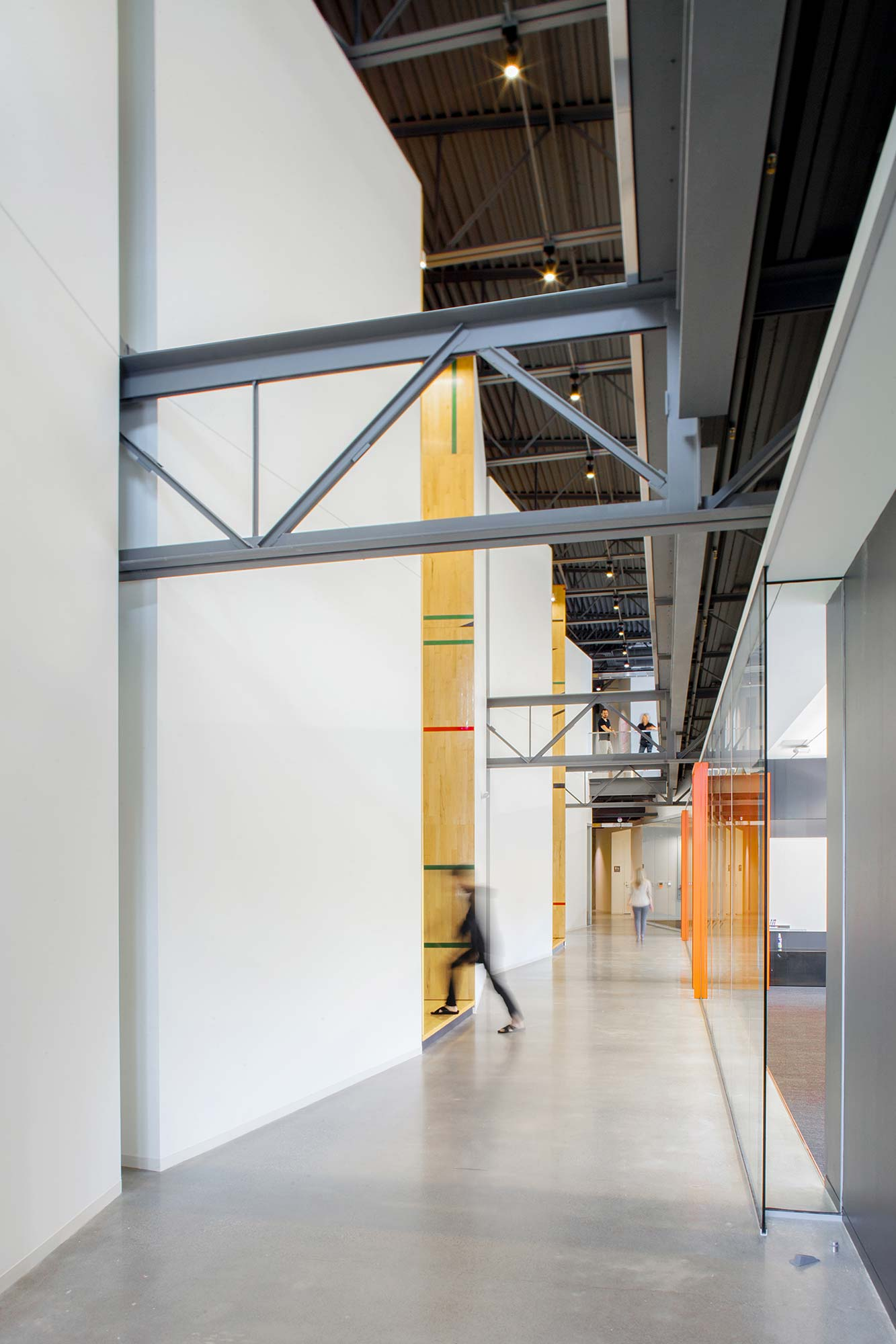 Take a look at tableau software s modern seattle office - Grand tableau new york ...