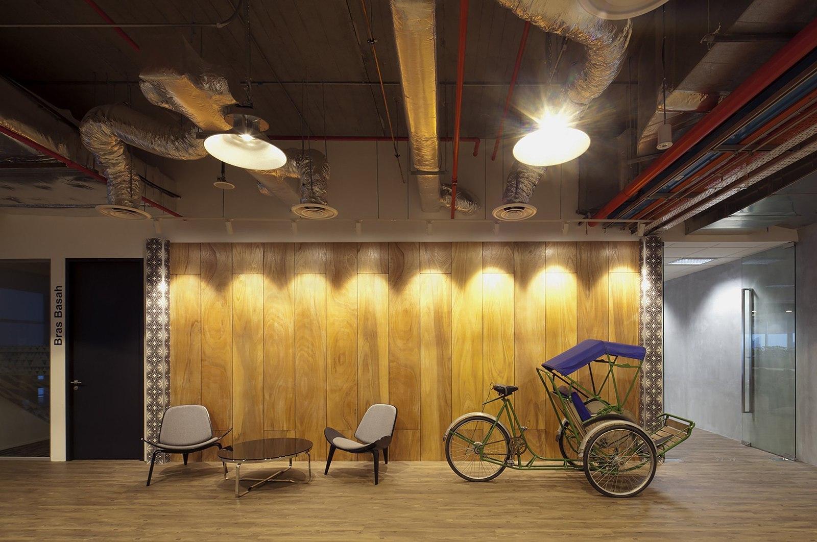 booking-com-singapore-office-1