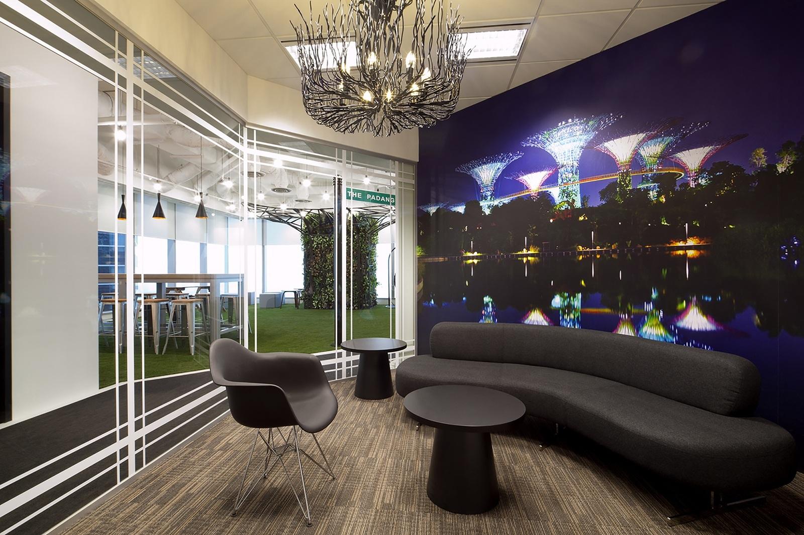 booking-com-singapore-office-2