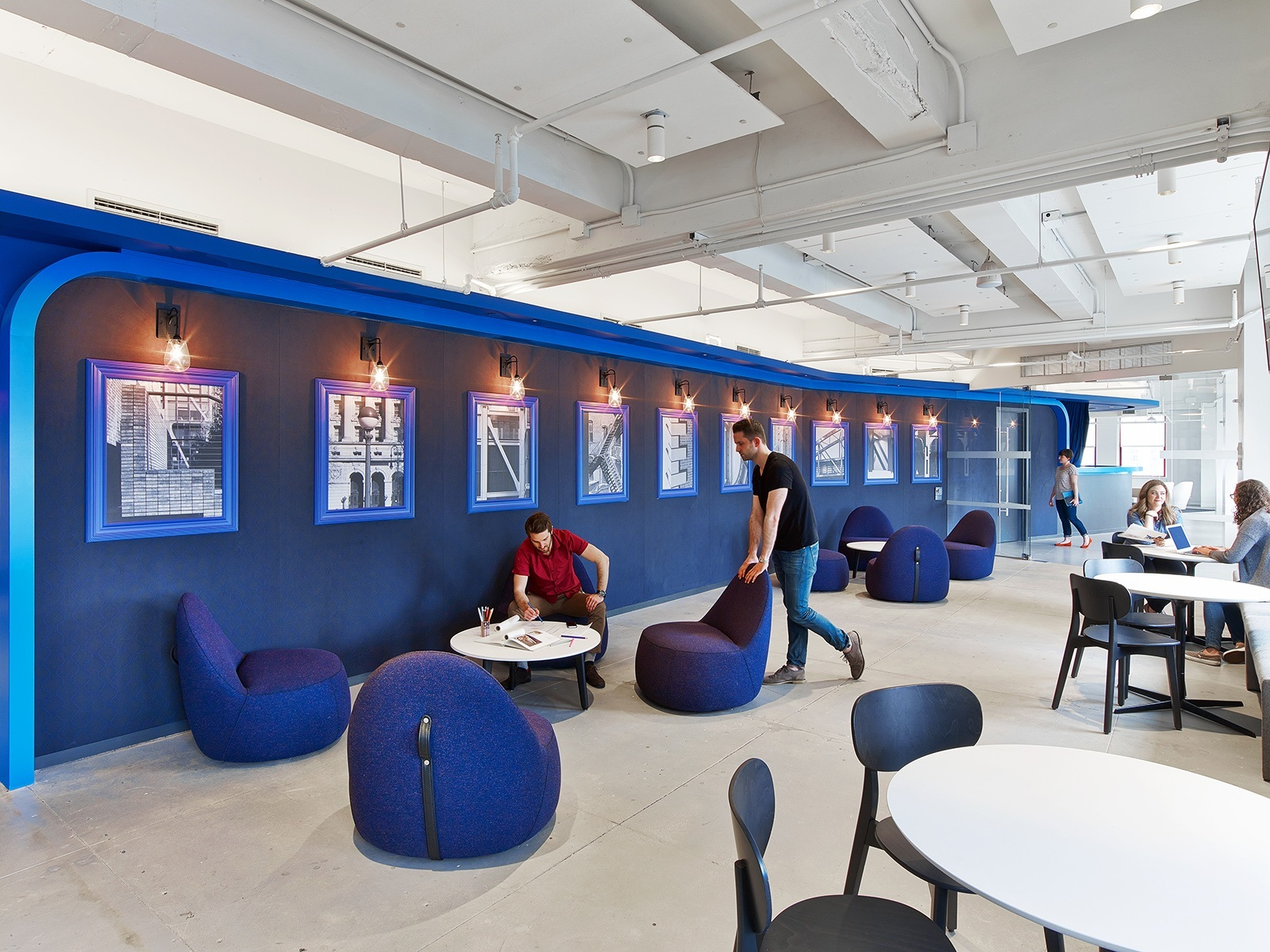 A tour of linkedin s beautiful new york city office for Office interior design nyc