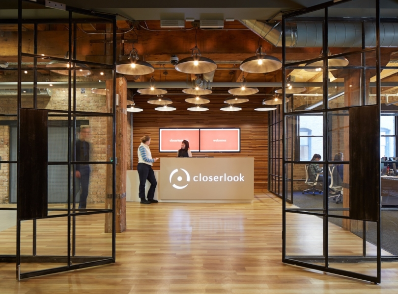 chicago-closerlook-office-1
