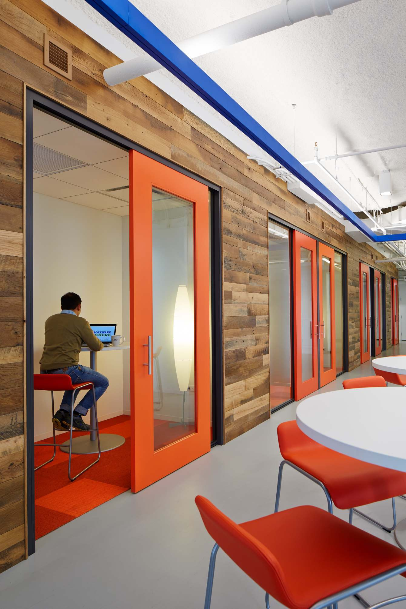 Office Room Design Software: A Look Inside Cision's Stylish Chicago Headquarters