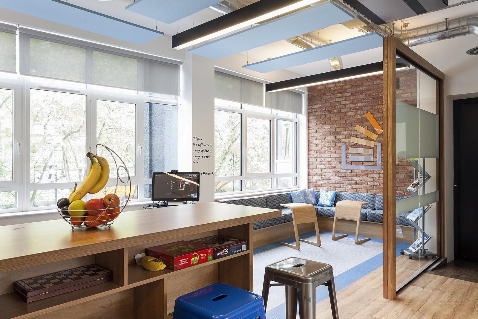 A Peek Inside Stack Exchange's Hip London Office
