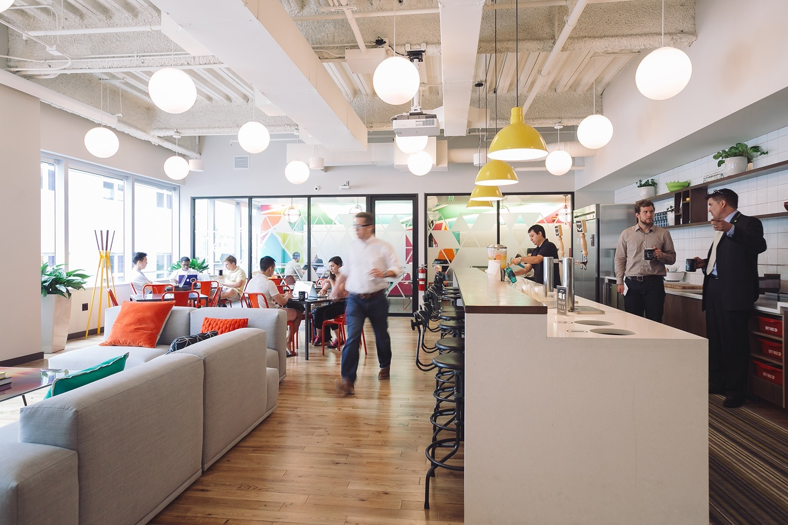A Tour Of Wework S New Chicago Coworking Space Officelovin