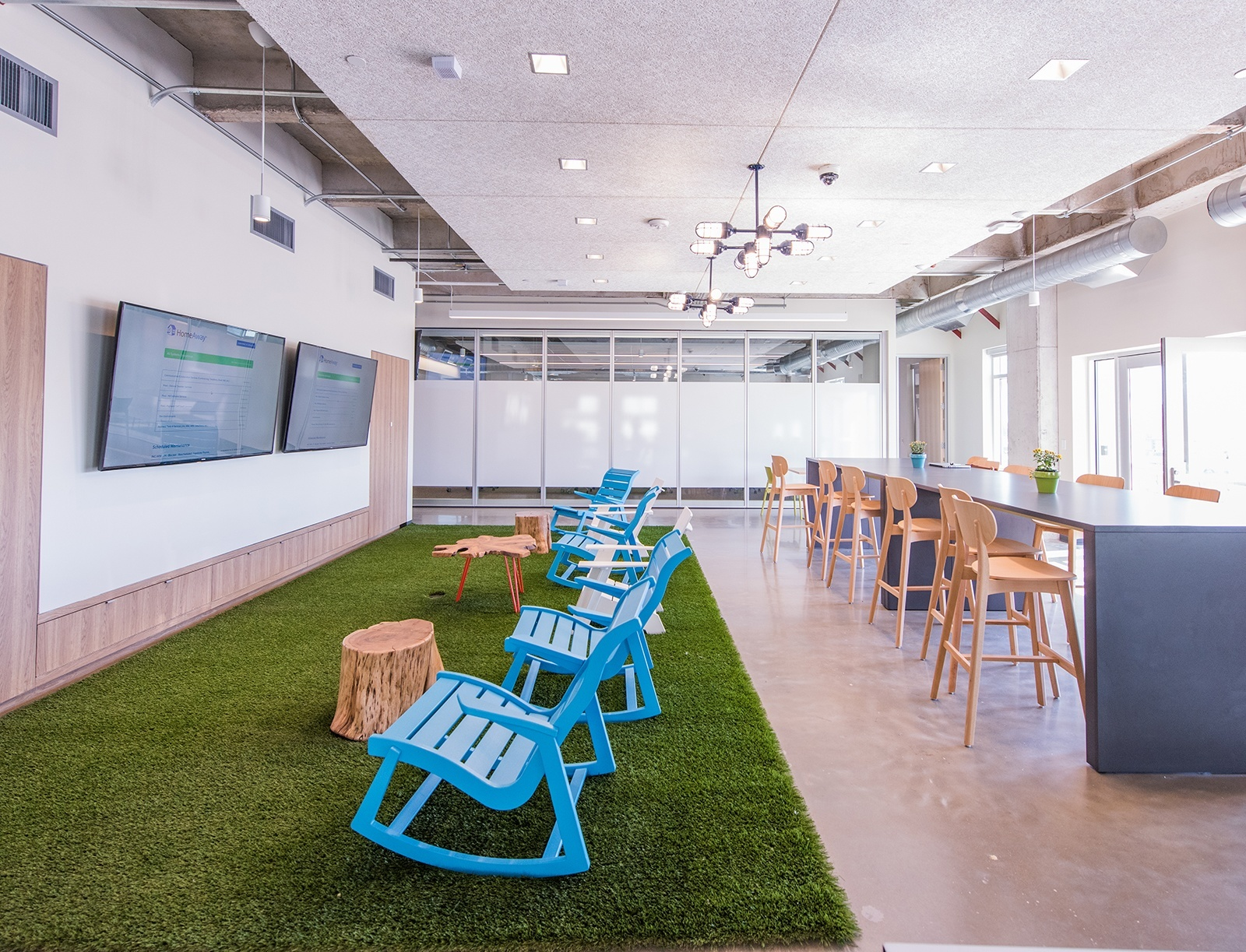 A Tour Of Homeaway S Beautiful New Office Officelovin