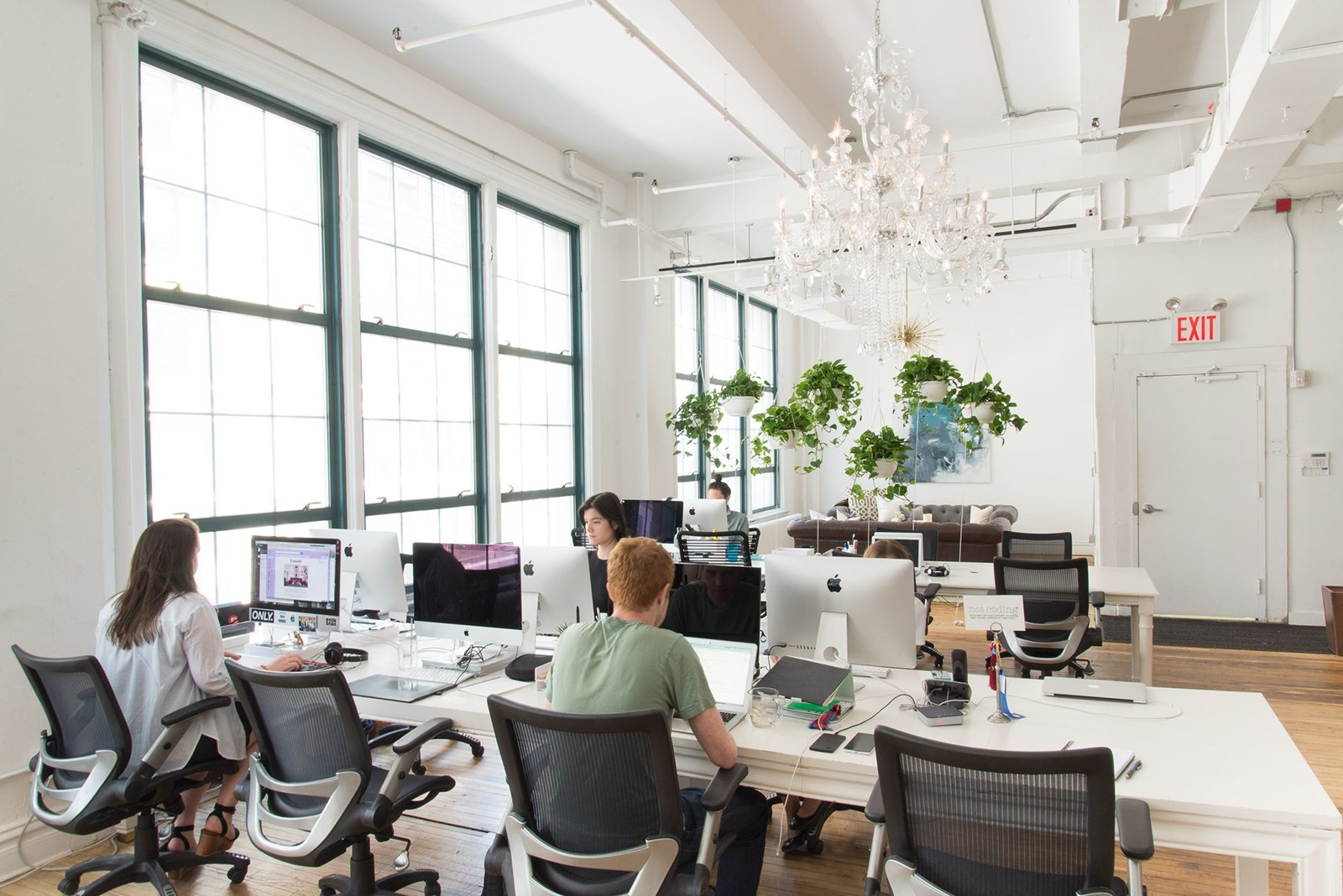 Workspace. A Tour of Homepolish s New NYC Headquarters   Officelovin
