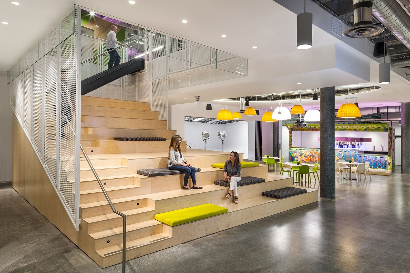 A Tour Of Justfab S Cool New Headquarters Officelovin