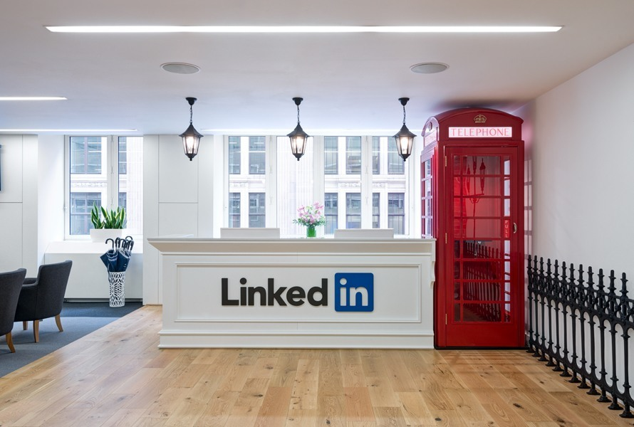 A Tour Of Linkedin S New Office In London Officelovin