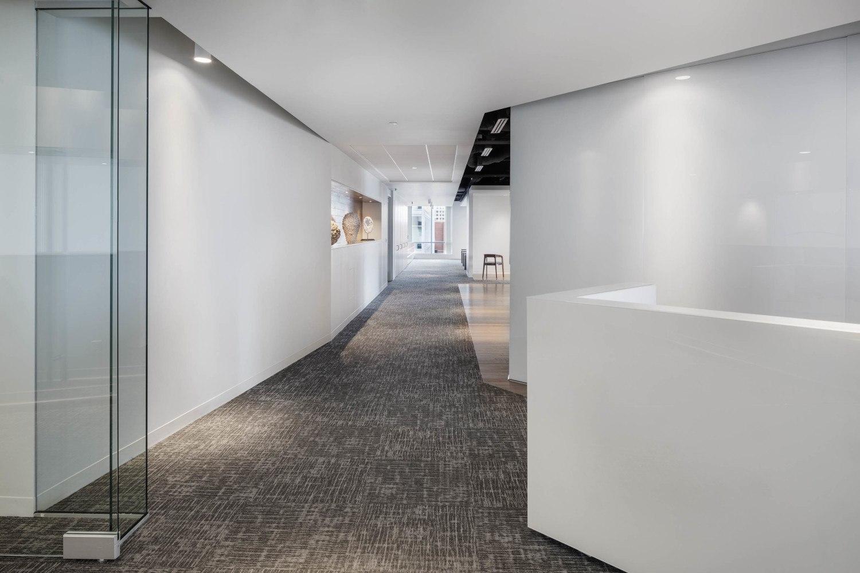 A Tour of Polaris Partners' Elegant Boston Office - Officelovin'