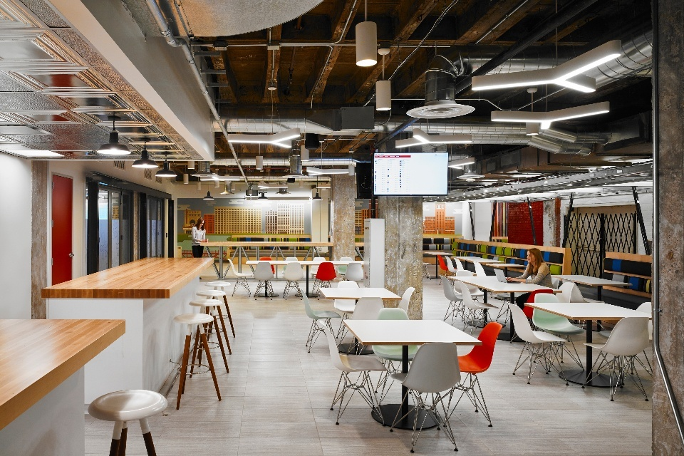Take A Look At Yelps New Office In Chicago Officelovin