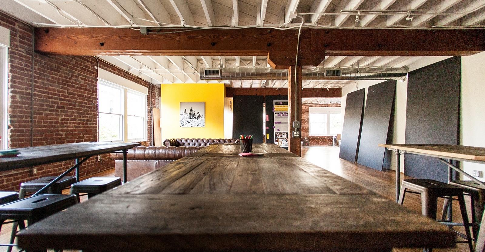 Bulldog Drummon-office-2
