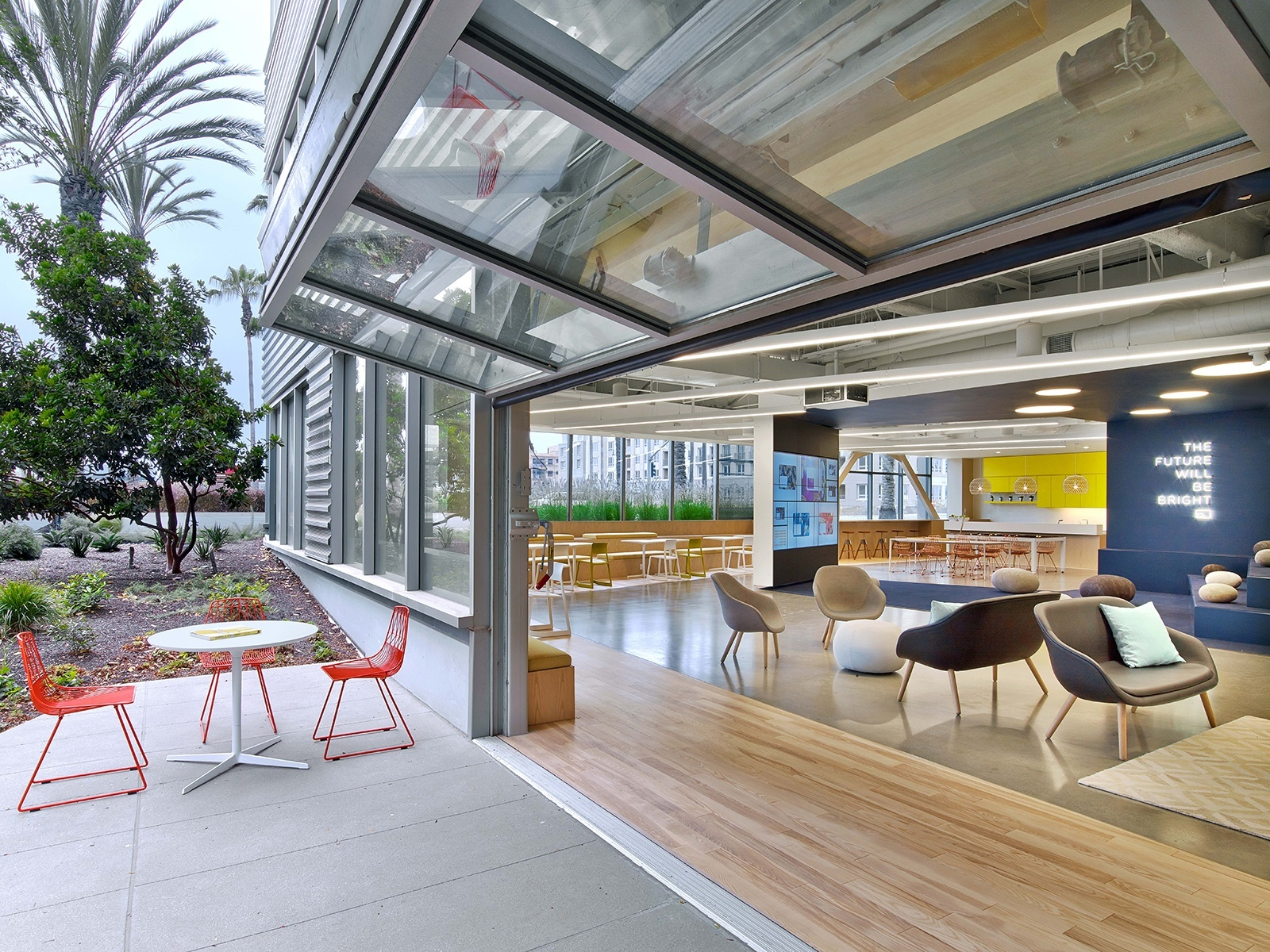 A Tour Of Fullscreens Super Cool Headquarters In Los