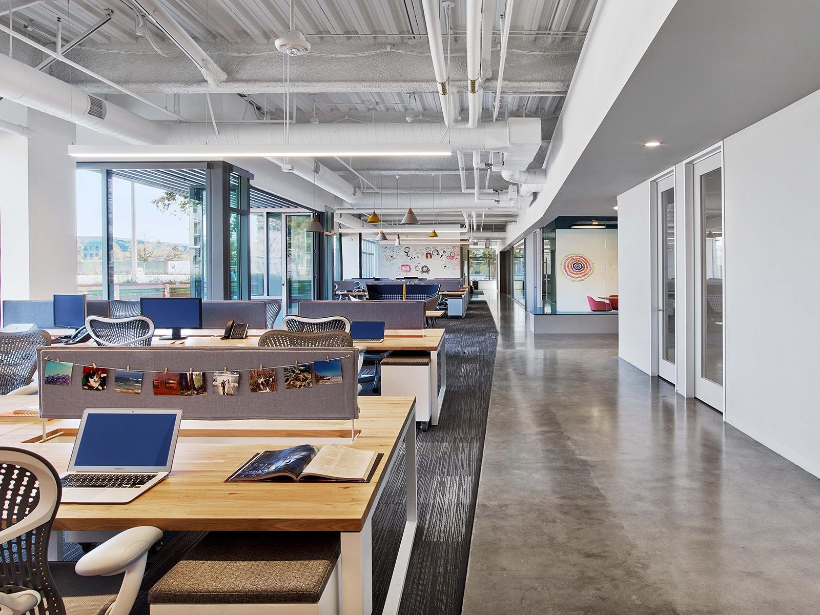 A Tour Of Fullscreen S Super Cool Headquarters In Los