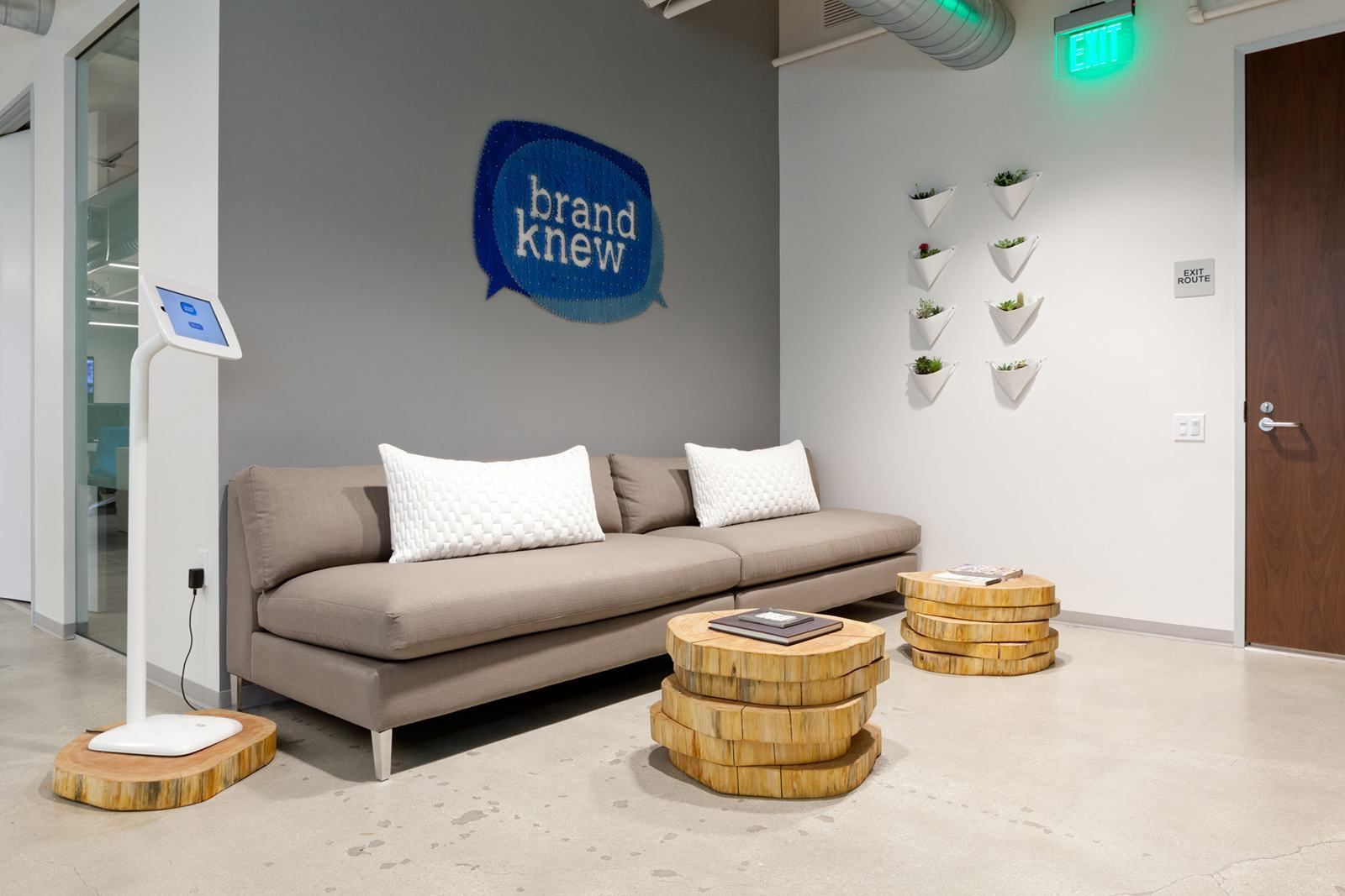 brand-knew-los-angeles-office-1