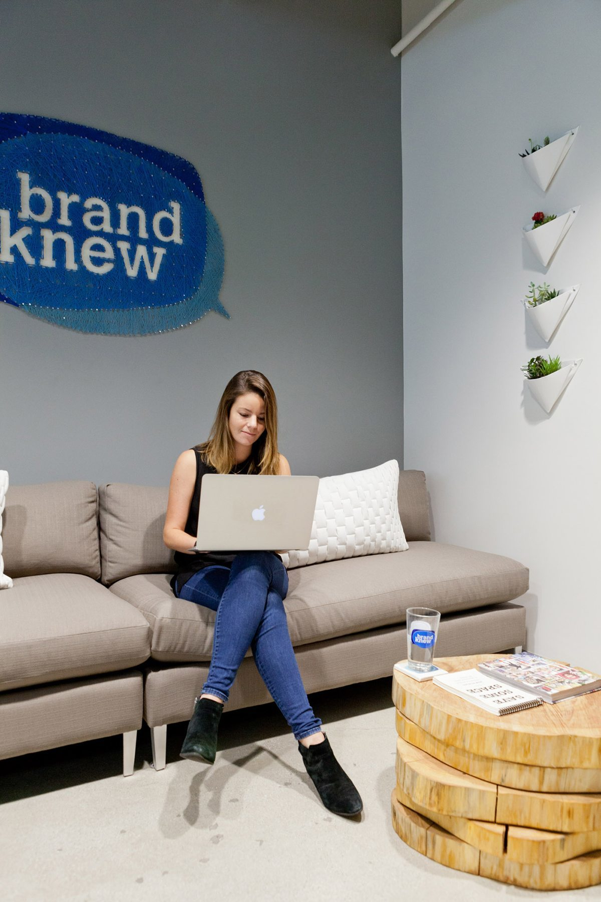 brand-knew-los-angeles-office-2