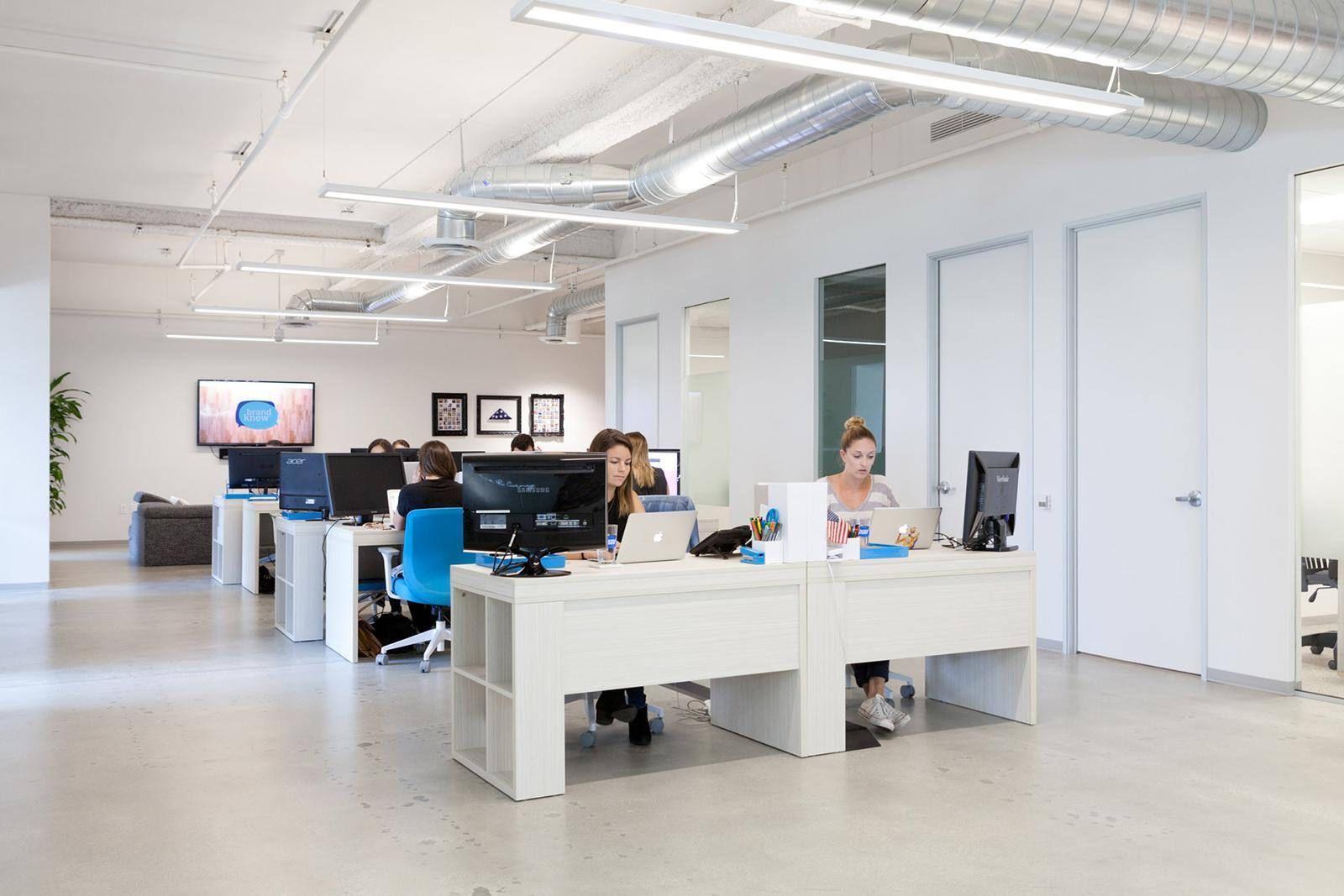 A Tour Of Brand Knew S Cool Los Angeles Office Officelovin