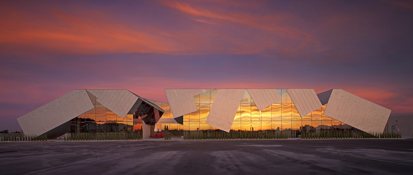 Pterodactyl by Eric Owen Moss Architects – Photography by Tom