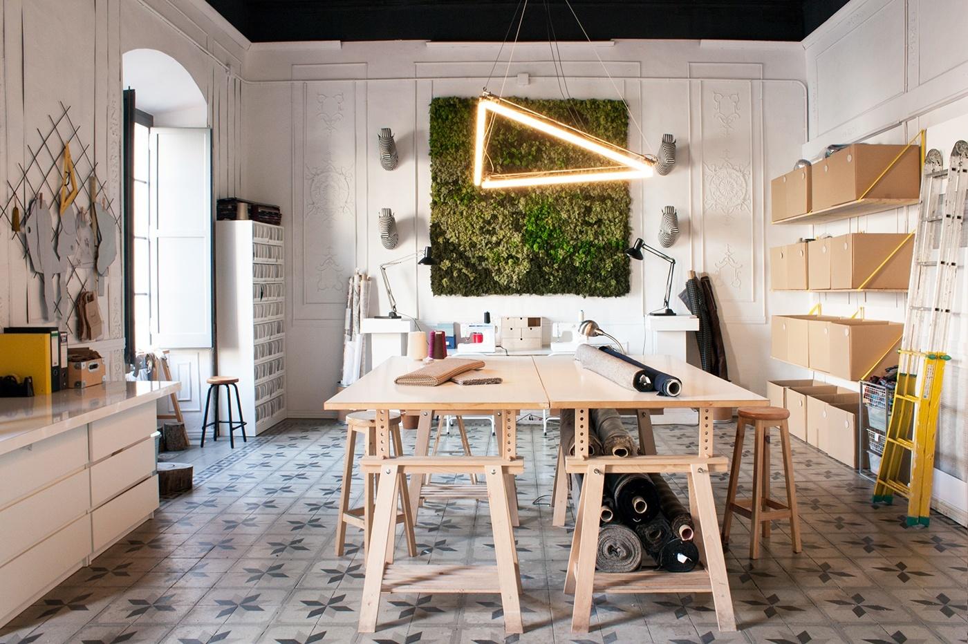 A peek inside softheads trendy office in barcelona for Studio interior design brescia
