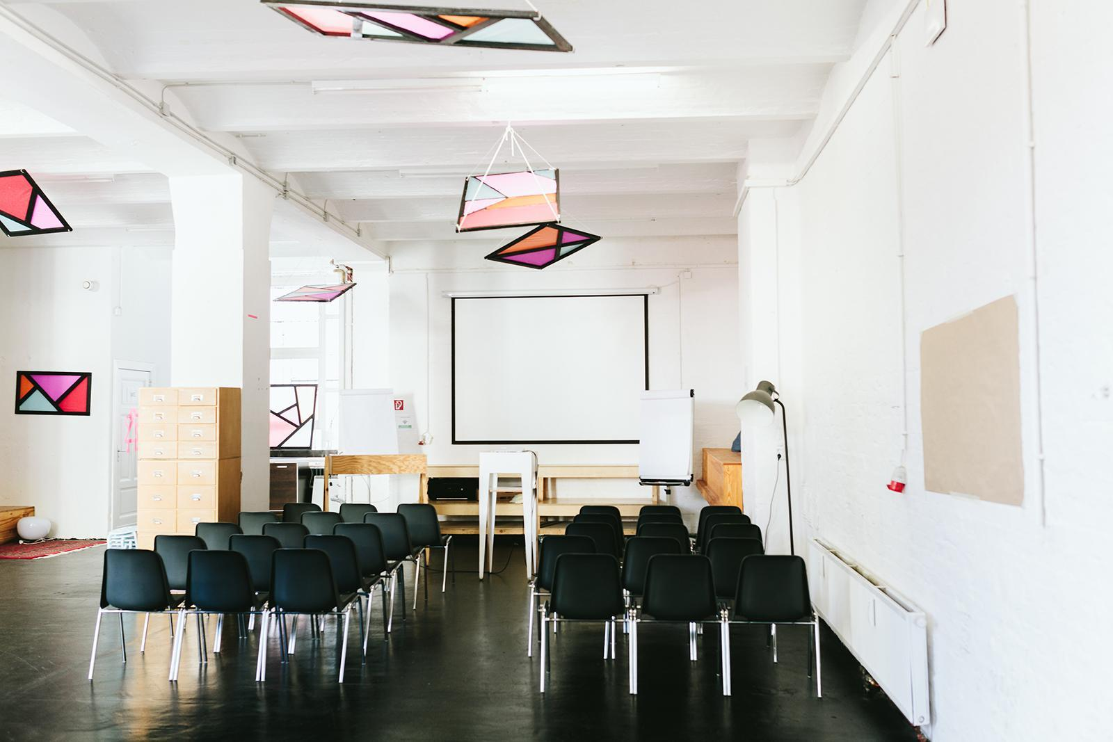 Best Cafes For Freelancers Kreuzberg