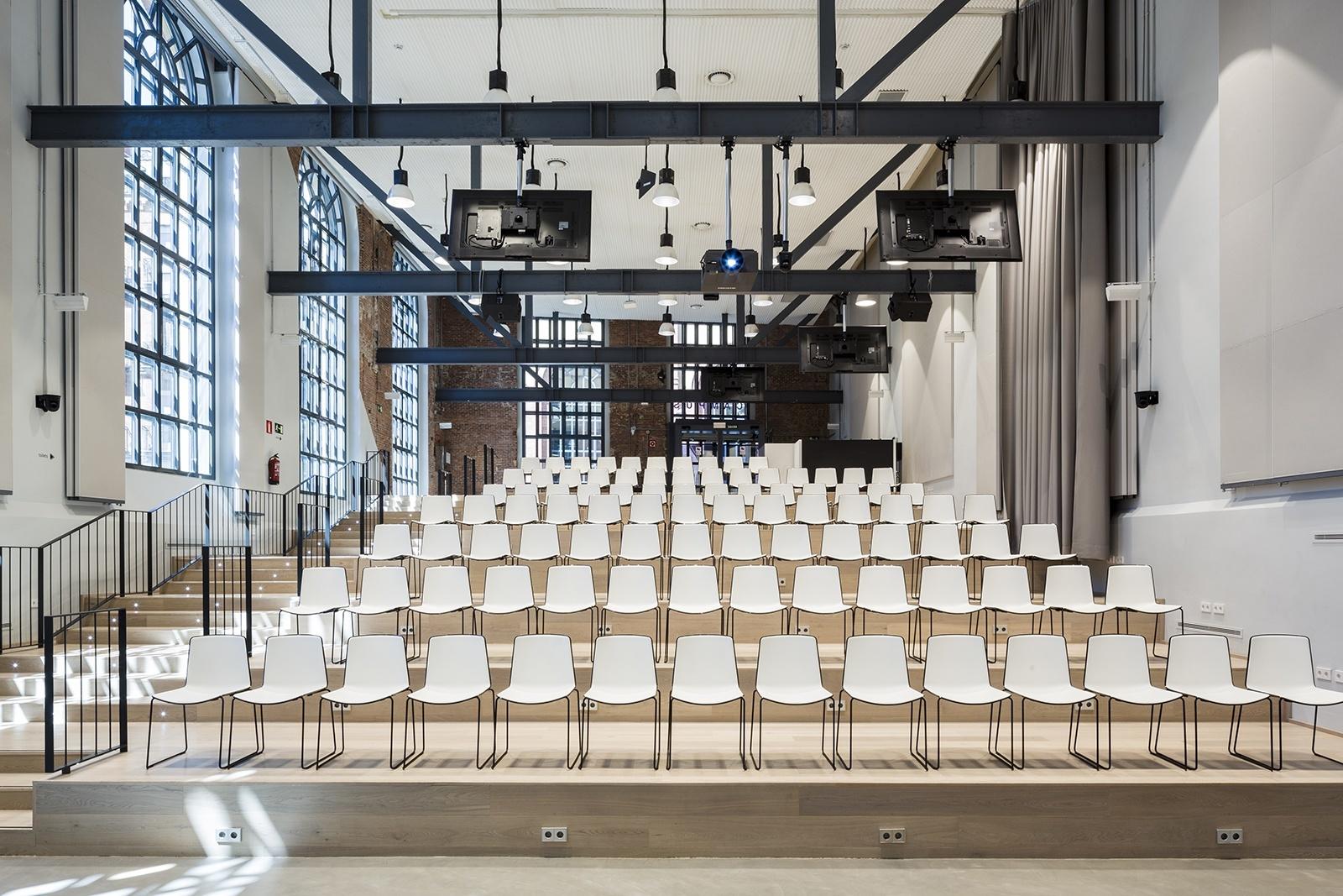 google office munich set. Google Office Munich. Auditorium Munich N Set U