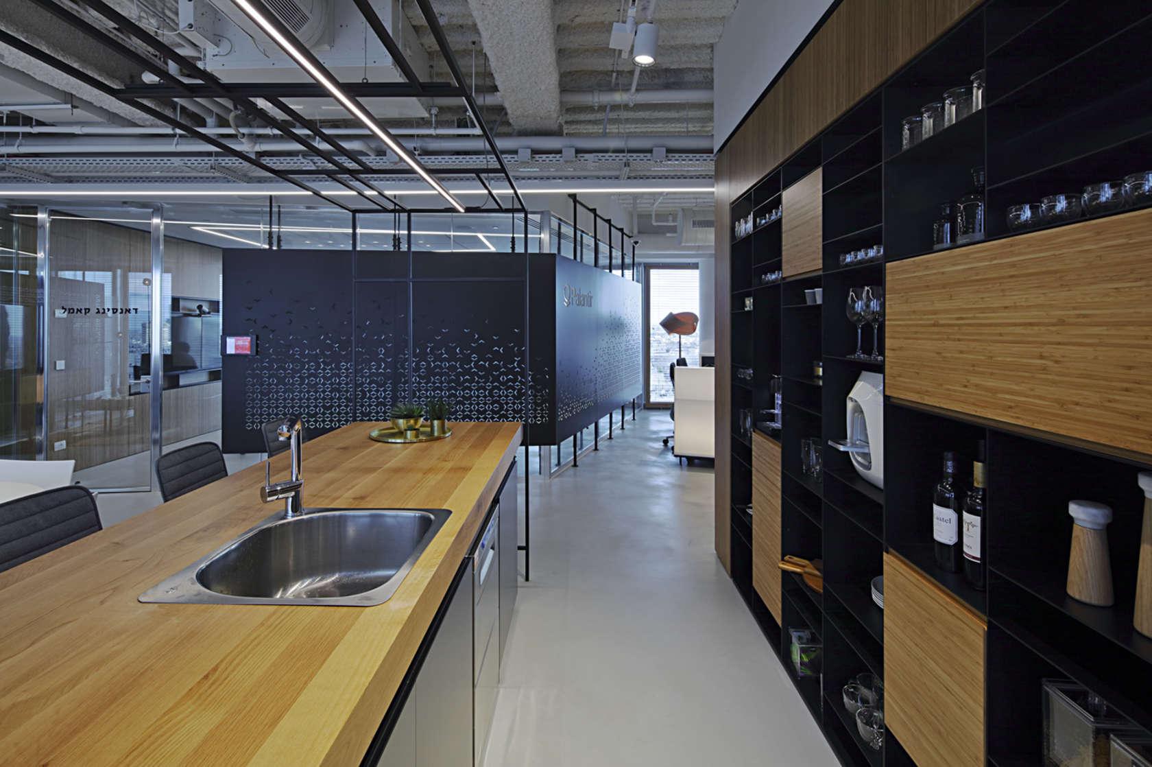 palantir-tel-aviv-office-2