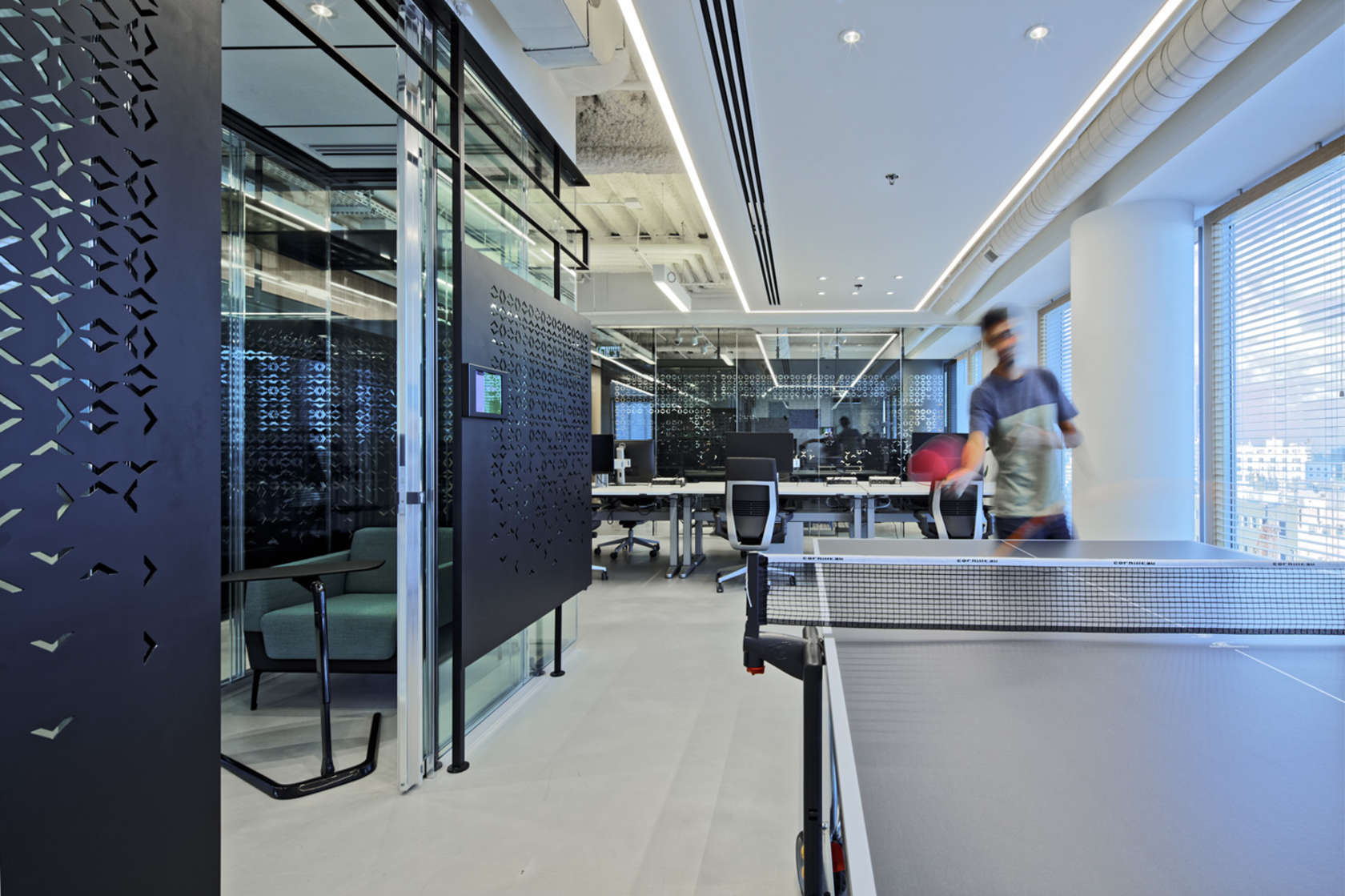 Inside Palantir S Stylish Tel Aviv Office Officelovin 39