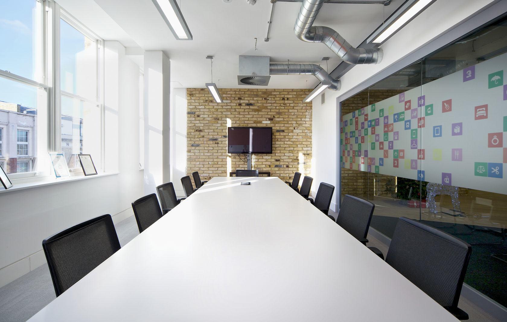 A Peek Inside Quidco S Funky London Office Officelovin