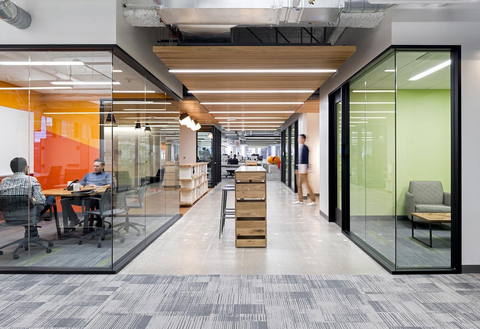 a tour of instacart s new sleek san francisco office officelovin