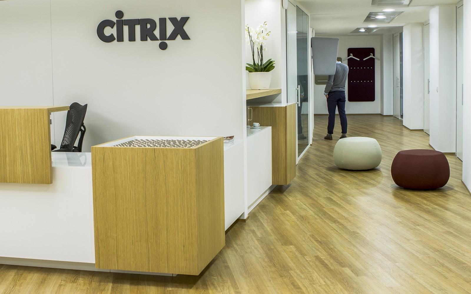 inside citrix s elegant office in italy officelovin 39. Black Bedroom Furniture Sets. Home Design Ideas