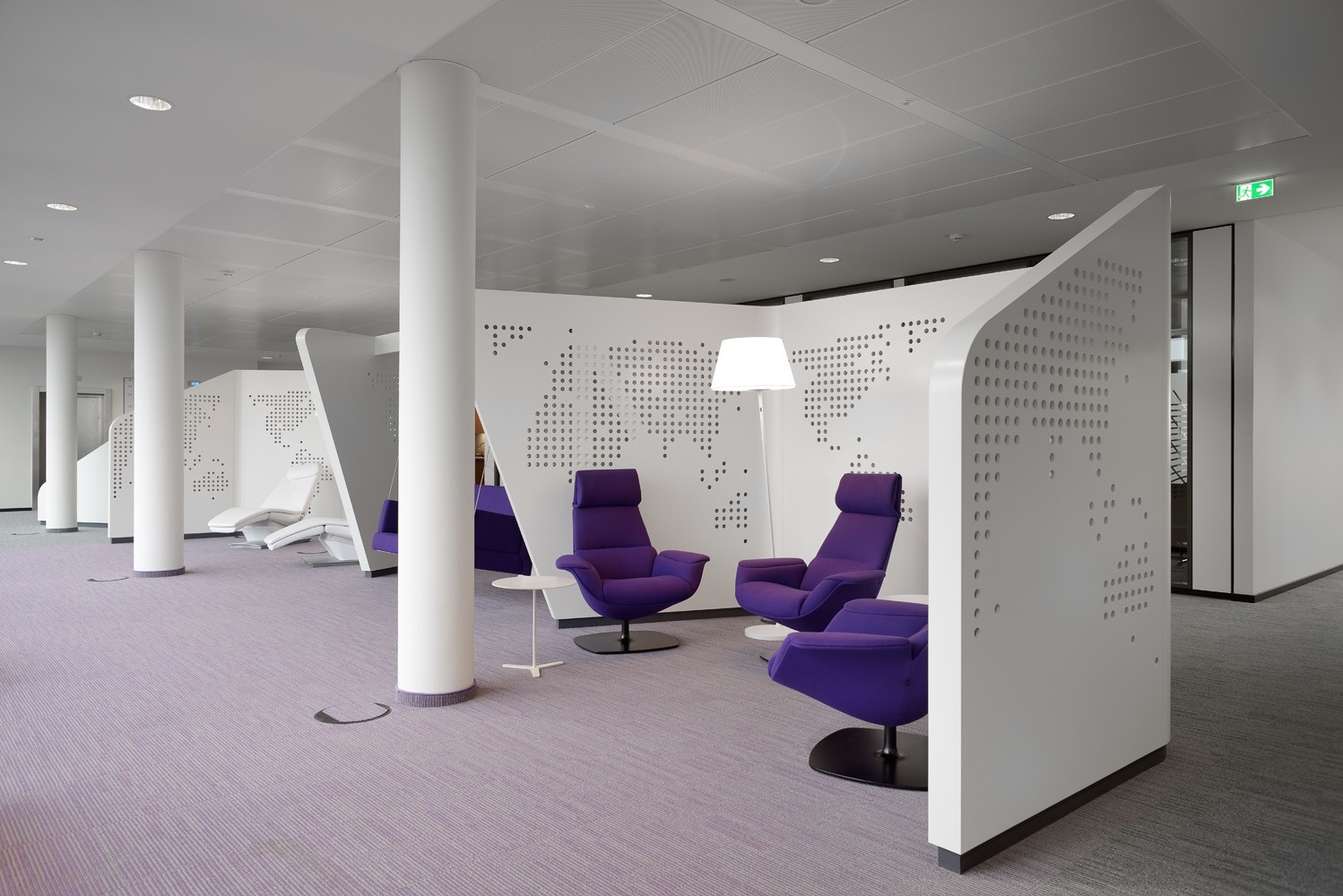 a tour of philips new hamburg headquarters officelovin 39. Black Bedroom Furniture Sets. Home Design Ideas