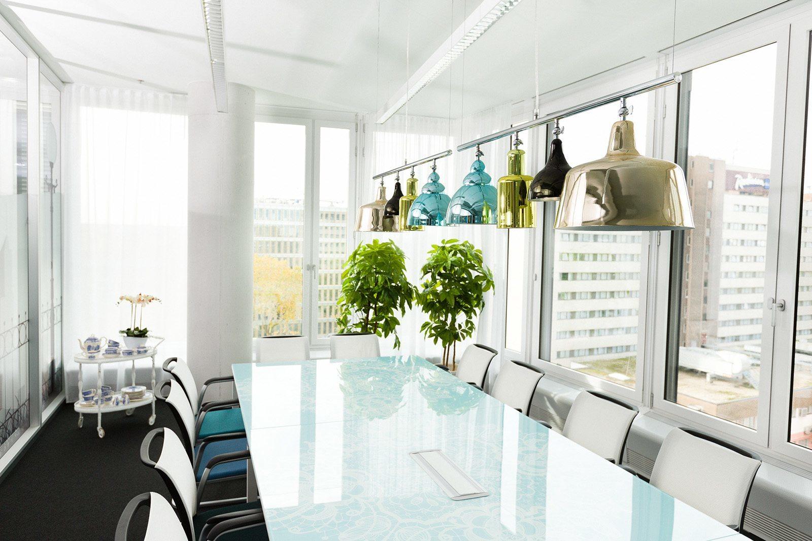 Trivago sky office 24 officelovin 39 - Trivago office dusseldorf ...