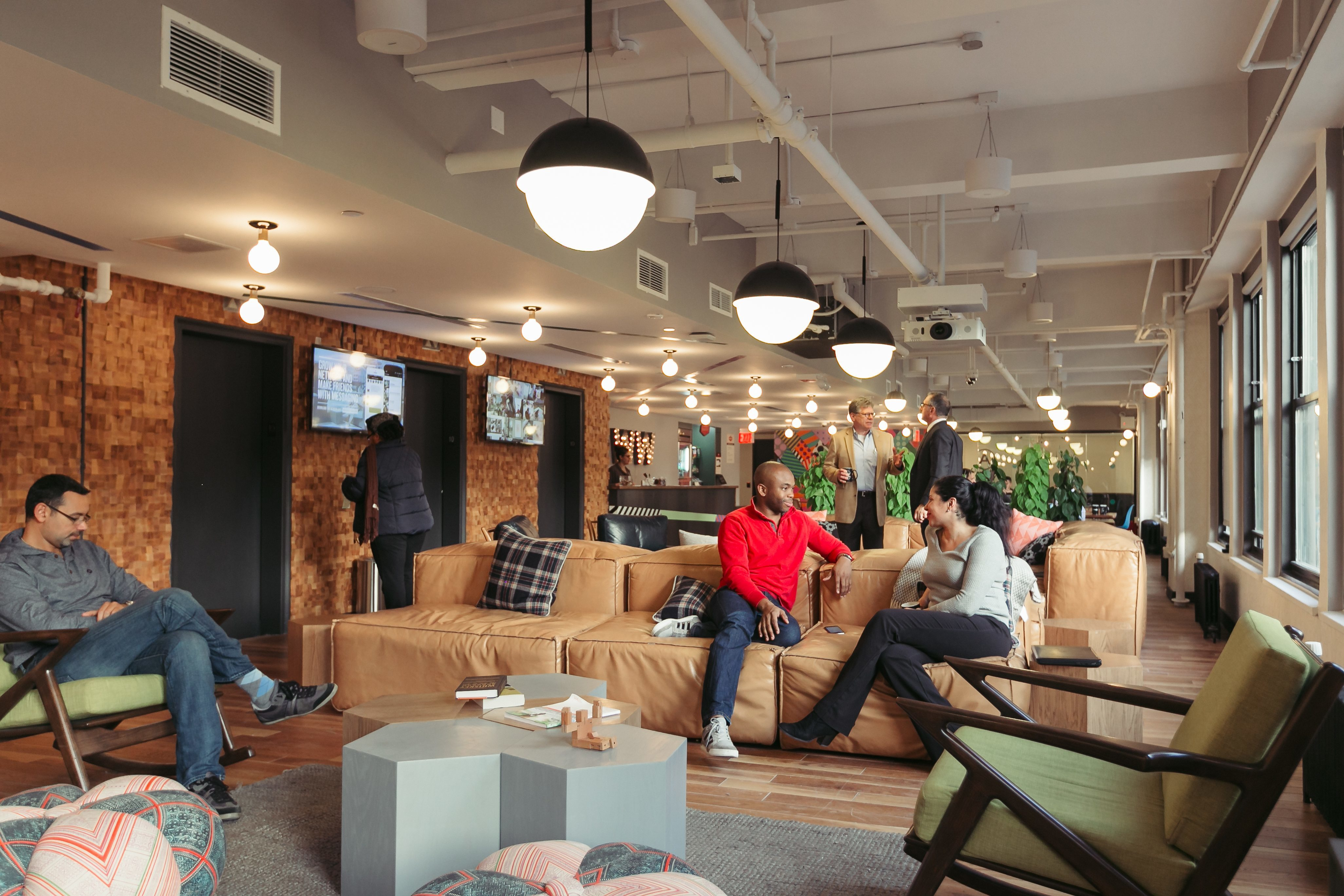 Take a tour of wework penn station officelovin 39 for Interior design events nyc