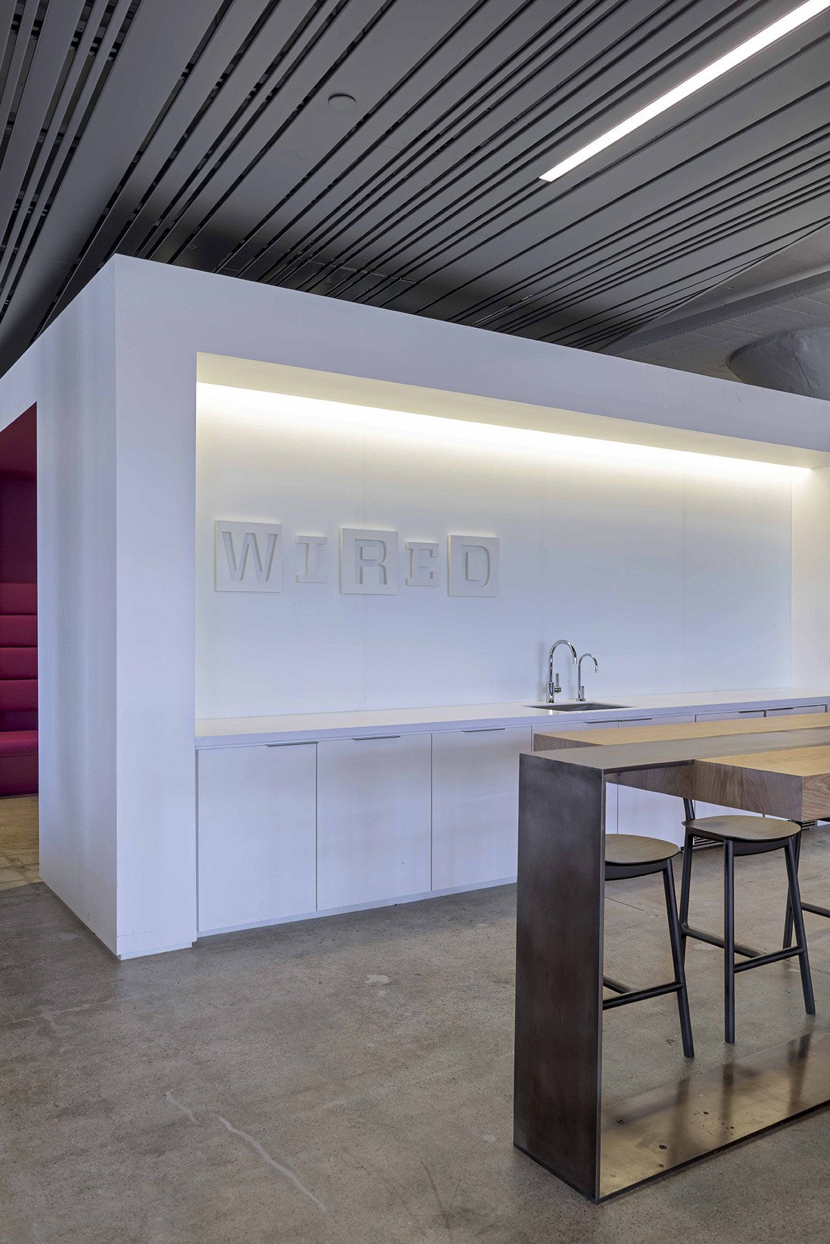 A Tour of Wired\'s New Sleek San Francisco Headquarters - Officelovin\'