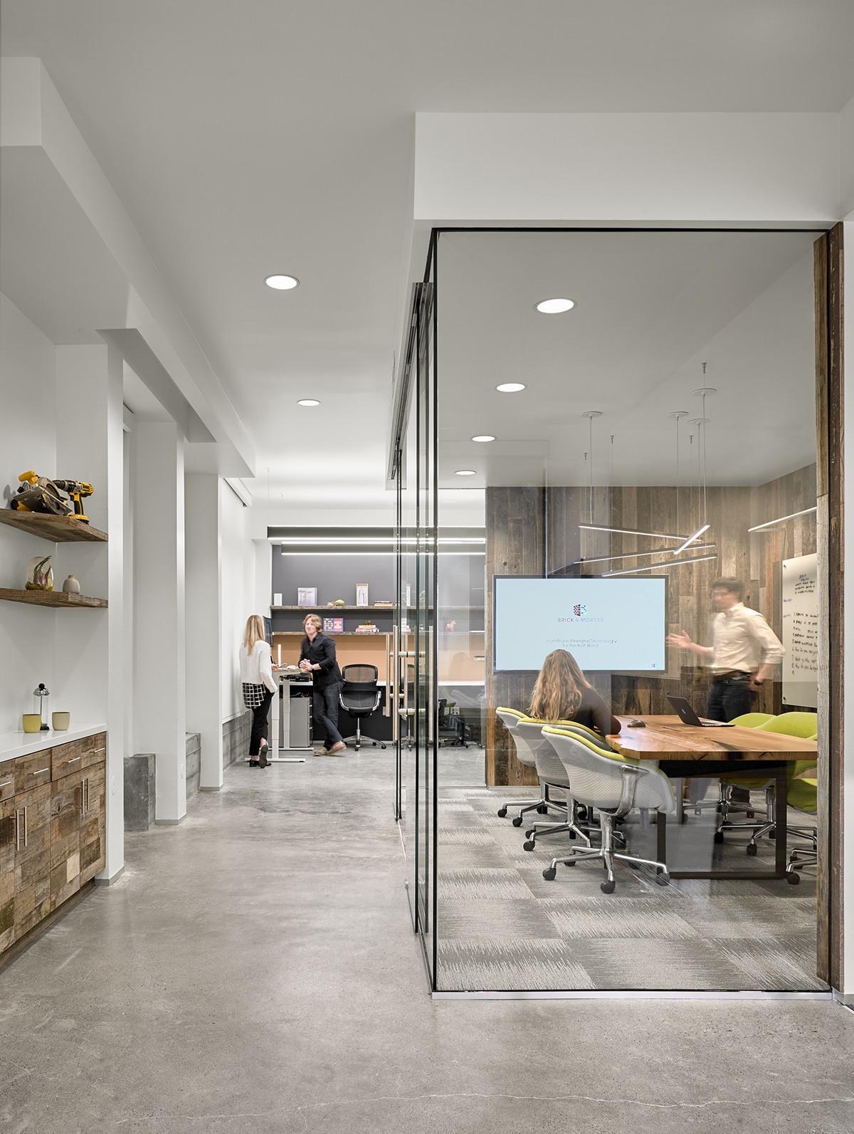 BrickandMortar_office-1