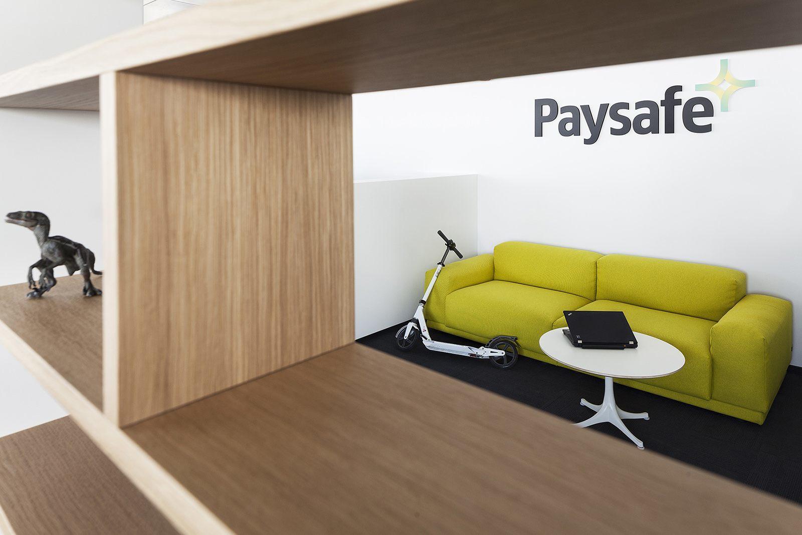 Paysafe-office-developers-cache atelier-Sofia-Bulgaria-1-reception desk