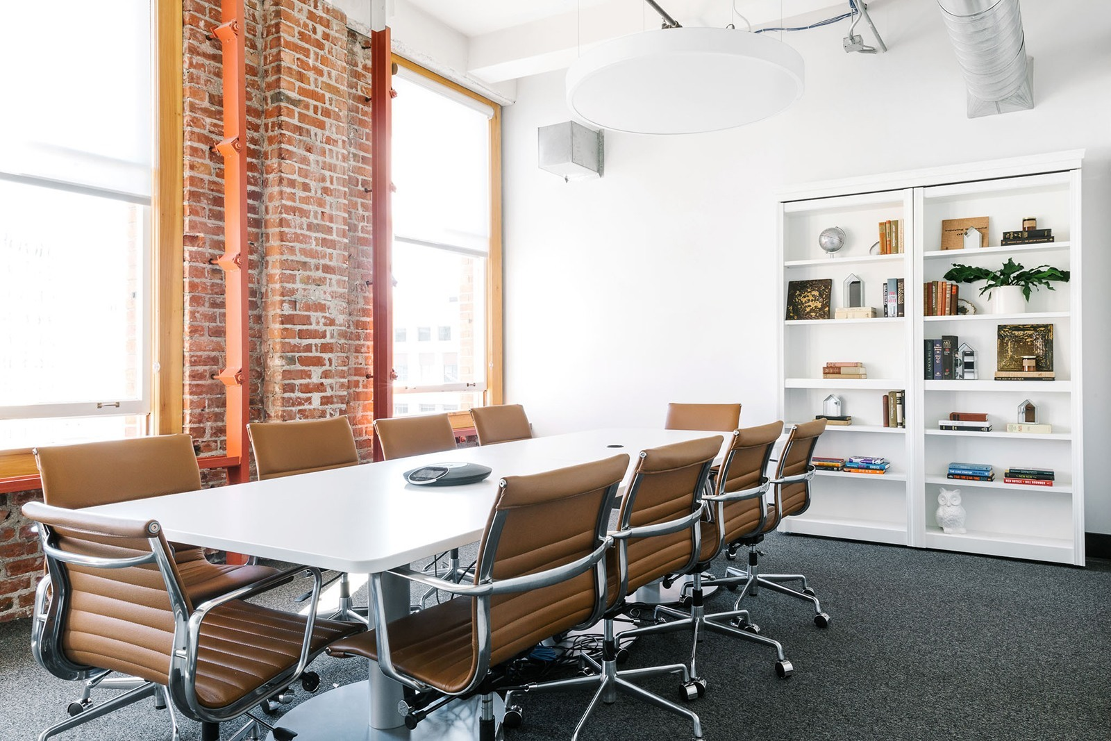 A tour of roofstock s hip oakland office officelovin 39 for Hip office design