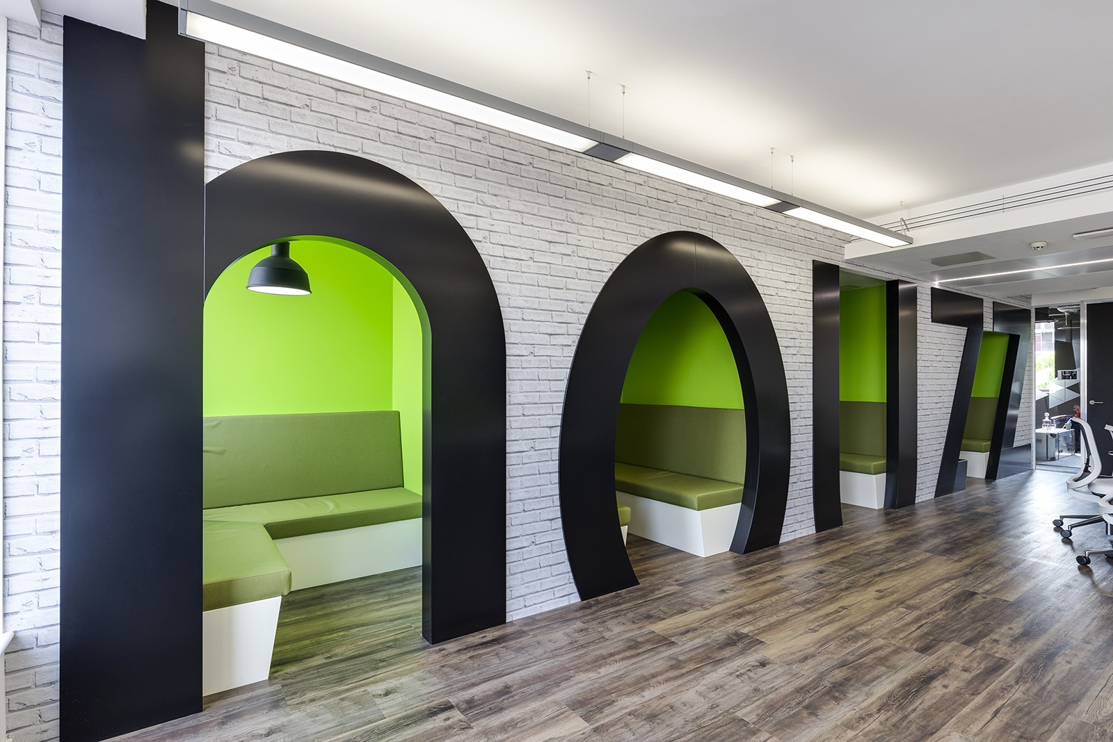 a tour of houzz s new european headquarters officelovin 39