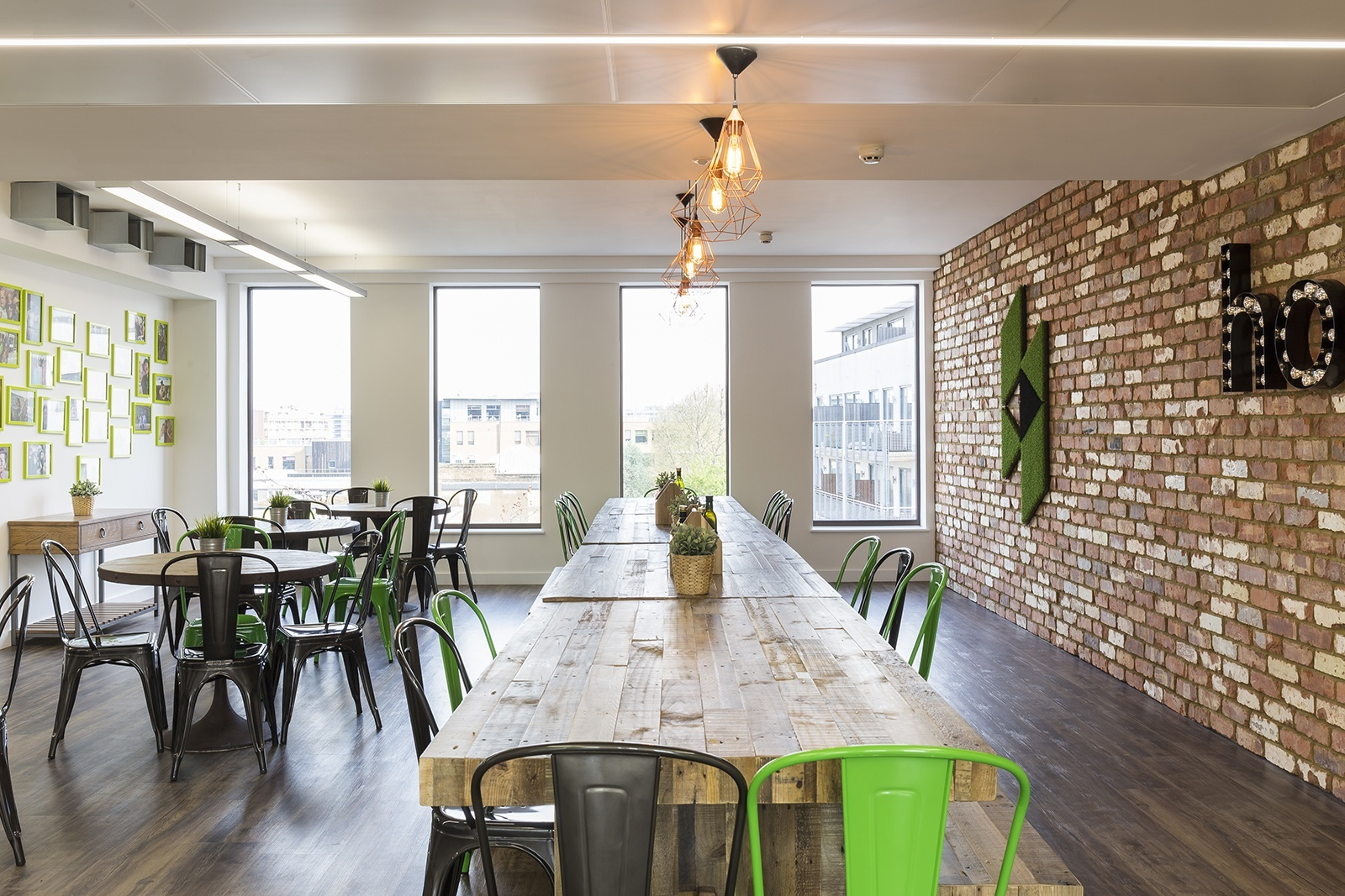 A Tour Of Houzzs New European Headquarters Officelovin